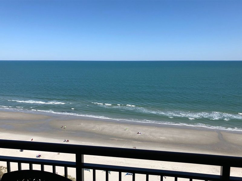 Penthouse Condo with Oceanfront View and Excellent Location!, holiday rental in Myrtle Beach