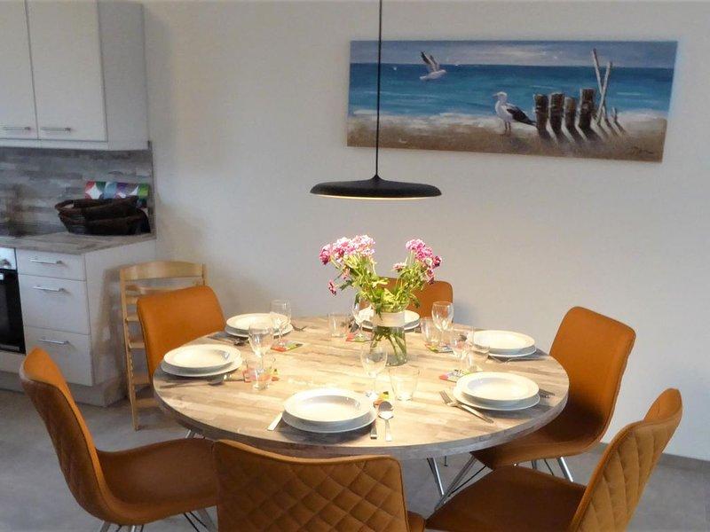 Hier erleben Sie Ihren Traum vom Ferienglück im modernen, sehr komfortablen , ga, holiday rental in Zetel
