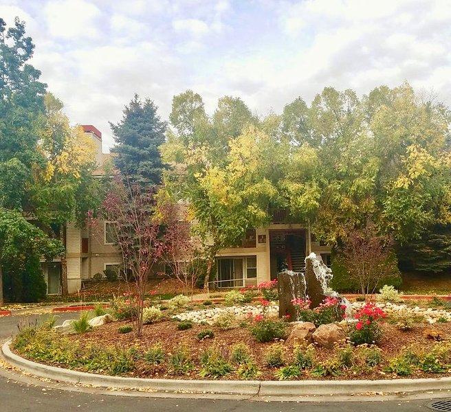 3 BR Fabulous Group/Family Getaway - Fully Furnished - Central Boise - E108, alquiler de vacaciones en Boise