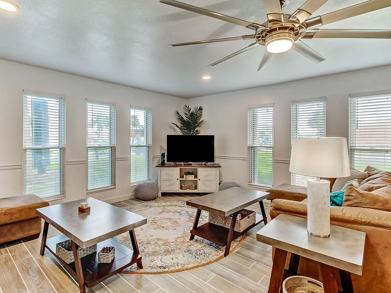 Completely renovated and beautifully decorated Fernandina Shores condominium, vacation rental in St. Marys