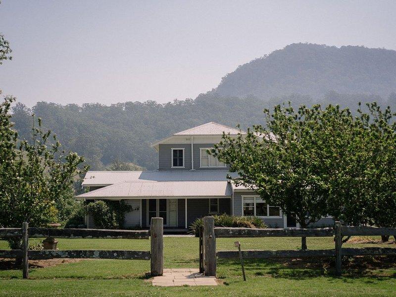 Melross - Millet House, alquiler vacacional en Cambewarra