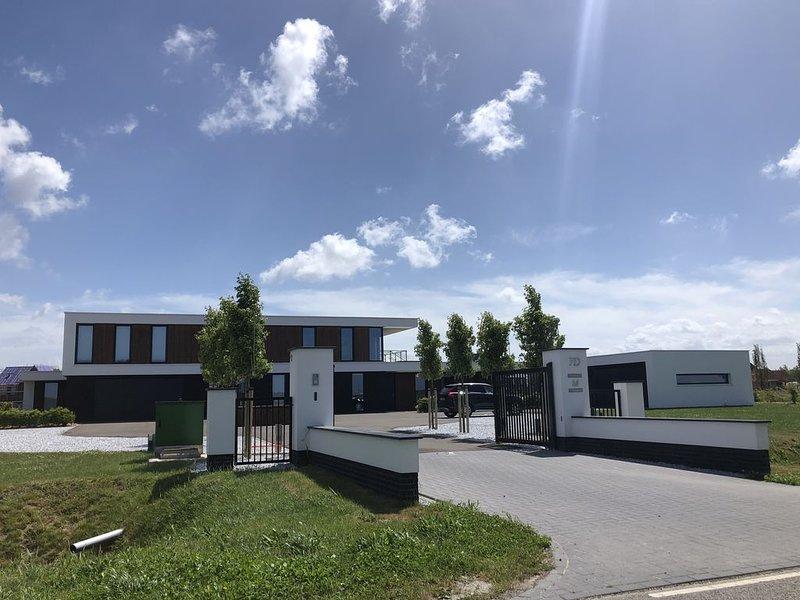 Moderne zelfstandige vakantiewoning in landelijke omgeving, holiday rental in Middelburg