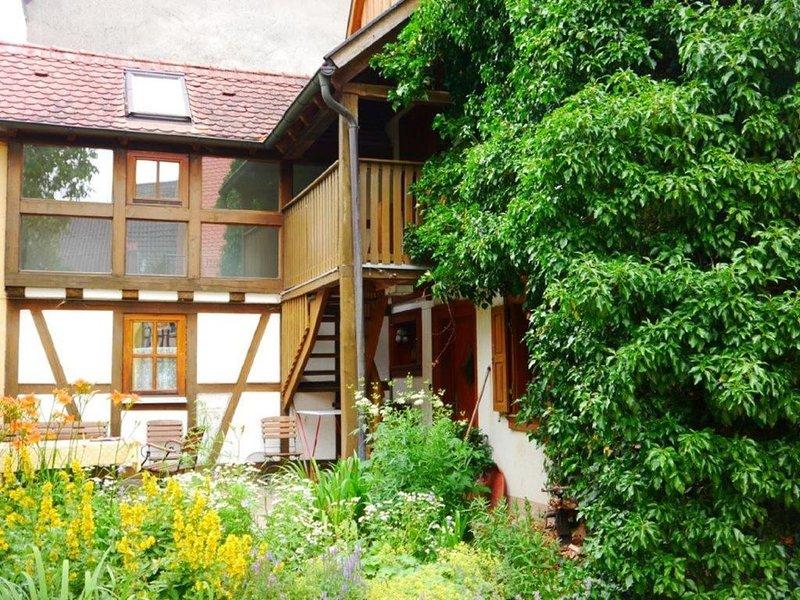 160 m² Wohnung auf denkmalgeschütztem Bauernhof, holiday rental in Niederstetten
