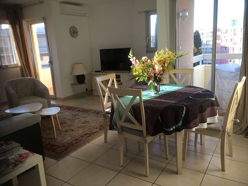 Appartement spacieux au calme, à 300M de la Mer, Ferienwohnung in Ste-Maxime