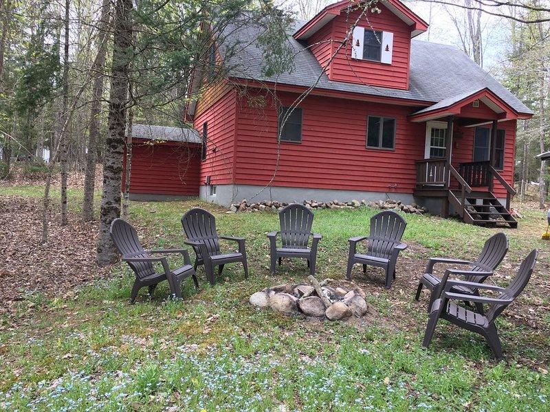 ADK Mountain Retreat, casa vacanza a Eagle Bay