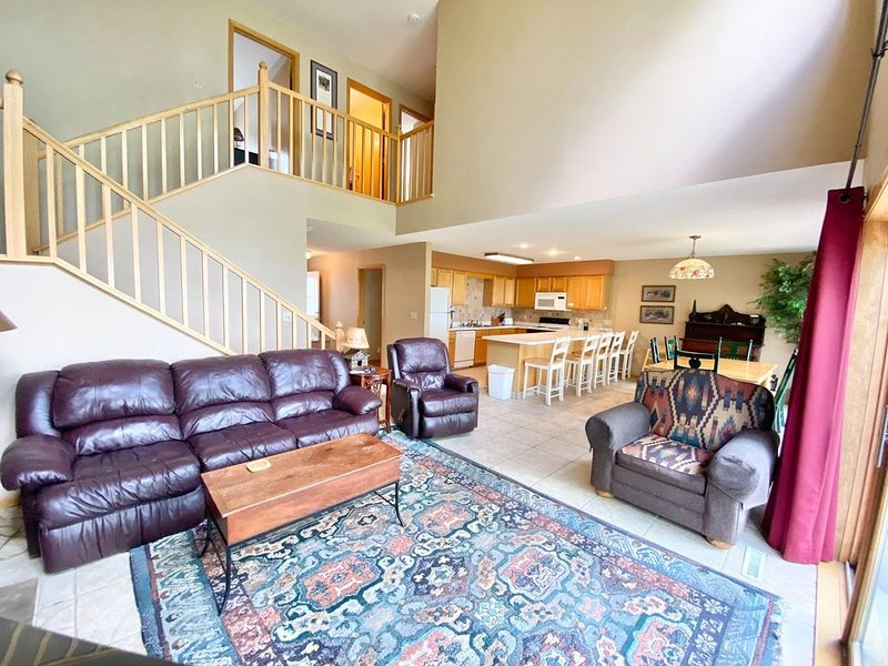 Izaty's Lakeside Townhouses #413 on Lake Mille Lacs at Izatys Resort, holiday rental in Vineland