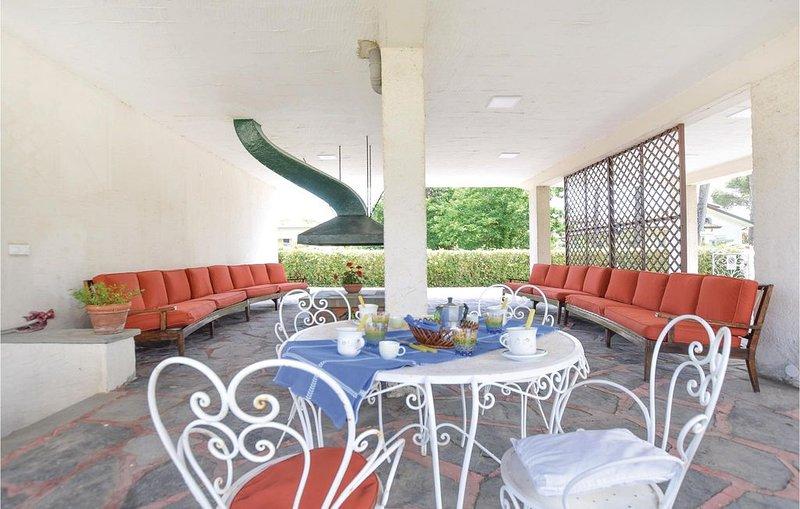 2 Zimmer Unterkunft in Lido di Camaiore, holiday rental in Lido Di Camaiore