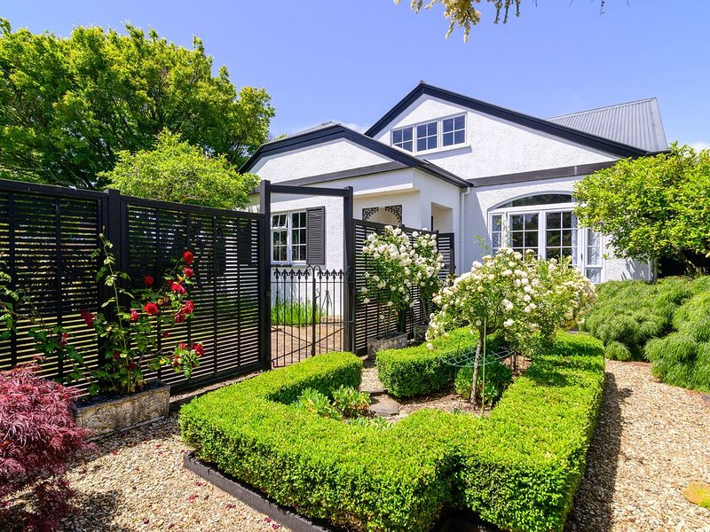 Victoria Cottage! Ambience in the central city, holiday rental in Rotorua