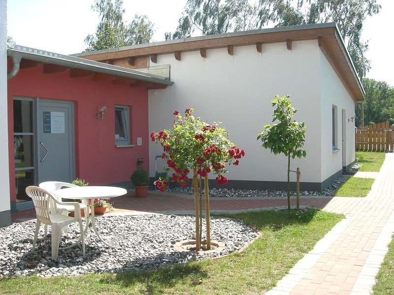 Barrierefreie Ferienwohnung mit Physiotherapie und Innere-Kraft-Kursangebot, holiday rental in Neuenkirchen