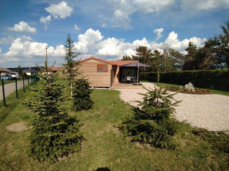 Le Chalet des Sotrés 3*  avec terrain clôturé et accès camping 4*, Ferienwohnung in Taintrux