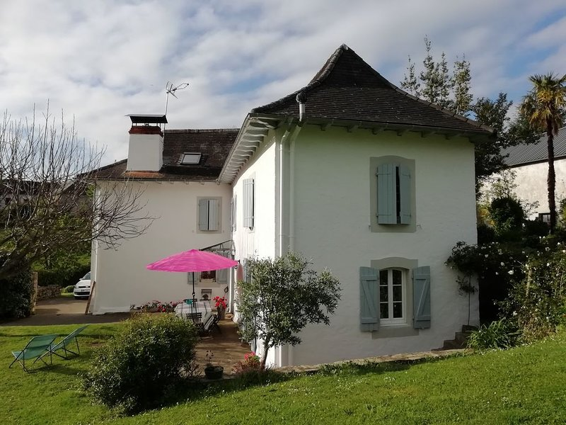 maison irigaray quartier barricata, vacation rental in Mauleon-Licharre