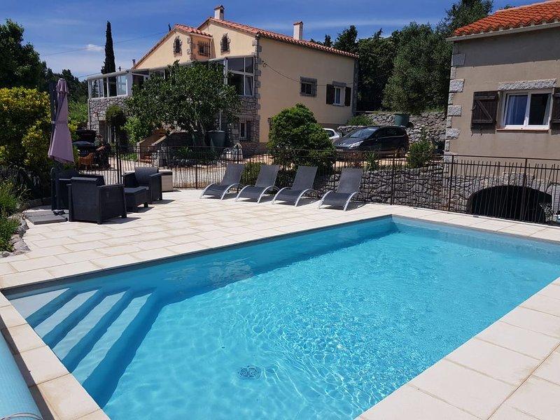 Gîte rural de 70 m² pour 4 personnes avec piscine, holiday rental in Salses-Le-Chateau