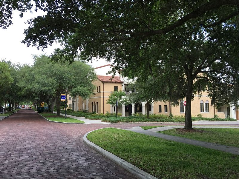 Amazing location- walk to everything, alquiler de vacaciones en Altamonte Springs