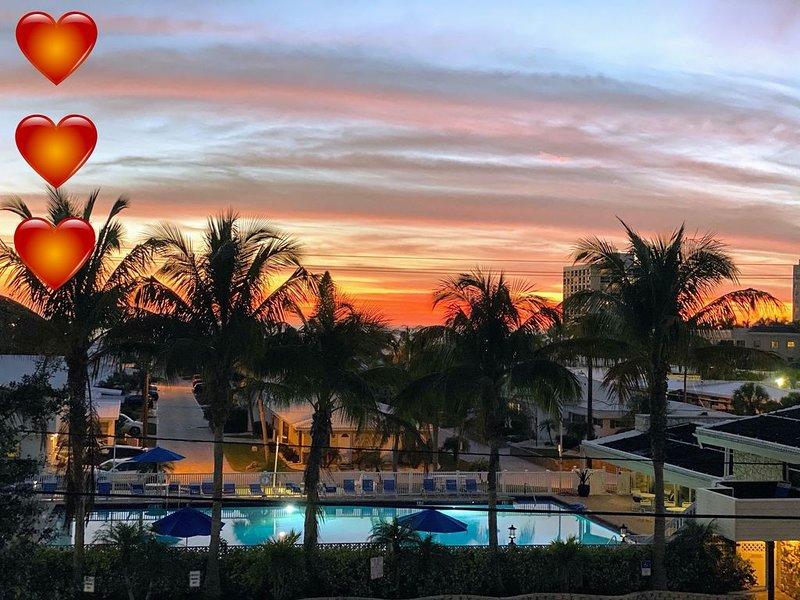 ☀️�️  LUX CONDO w/ PRIVATE HEATED POOL * SIESTA BEACH ☀️�️, aluguéis de temporada em Siesta Key