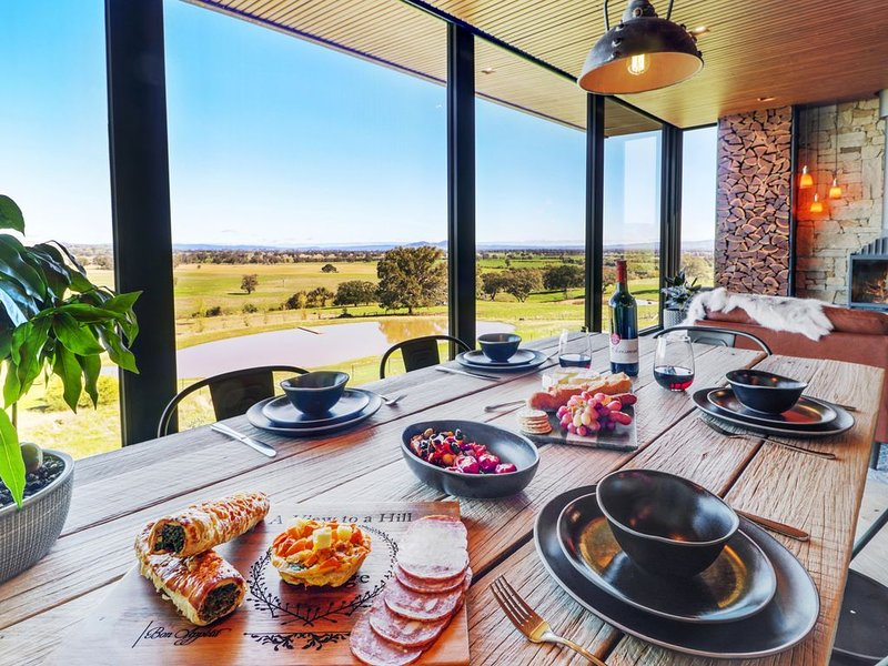 A View to a Hill - BullerRoo - New High Country Apartment with Rooftop Terrace, holiday rental in Myrrhee