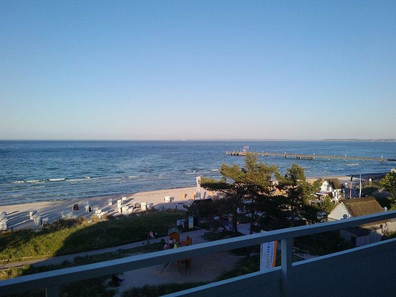 3-Zimmer App. mit Meerblick-Balkon und saisonalem Strandkorb, holiday rental in Klingberg