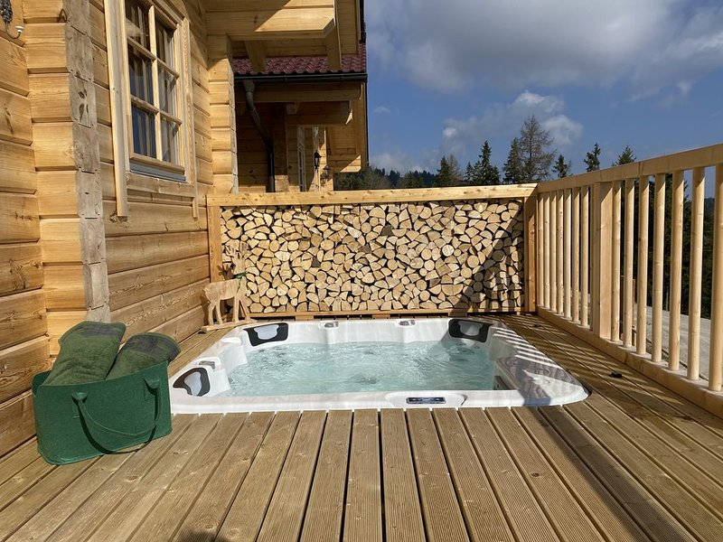 Luxus Chalet mit Whirlpool und Sauna, location de vacances à Hirschegg Rein