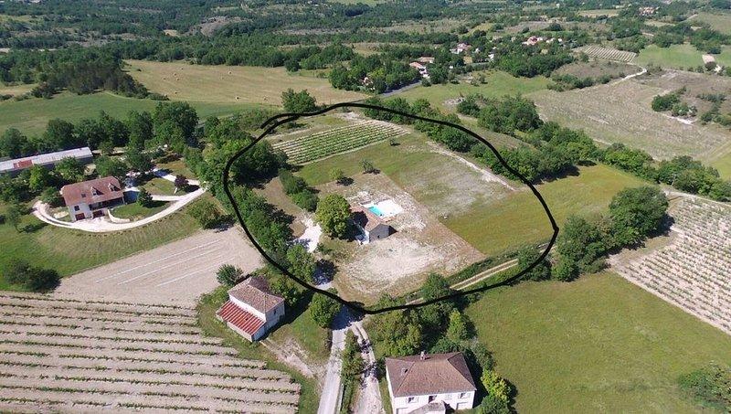 Gites du Moulin, maison individuelle,  piscine chauffee avec vue., location de vacances à Castelnau-Montratier