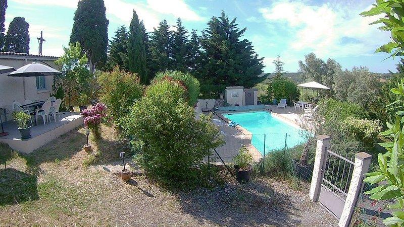 Cottage d'artiste, piscine privée, vue exceptionnelle, prix bas hors saison, casa vacanza a Gaudies