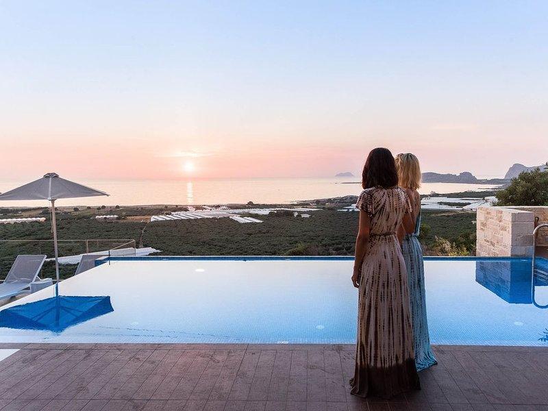Divine Villas | Two luxury villas with gorgeous sea view, ideal for 20 guests, alquiler de vacaciones en Phalasarna