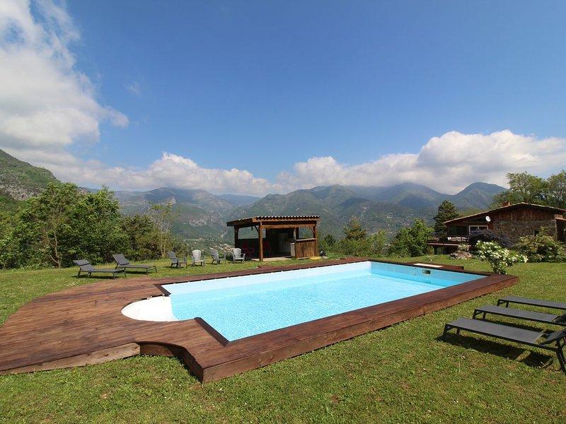 Maison de campagne avec piscine en pleine nature sur 3ha de terrain, holiday rental in Sospel