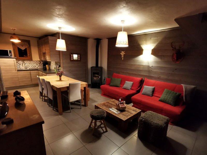 CHALET 6P SUR DOMAINE SKIABLE LA PLAGNE-LES ARCS A CHAMPAGNY EN VANOISE, holiday rental in Champagny-en-Vanoise