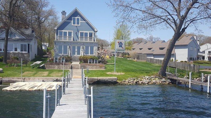 Luxury Lakefront Rental on Beautiful Delavan Lake, vacation rental in Elkhorn