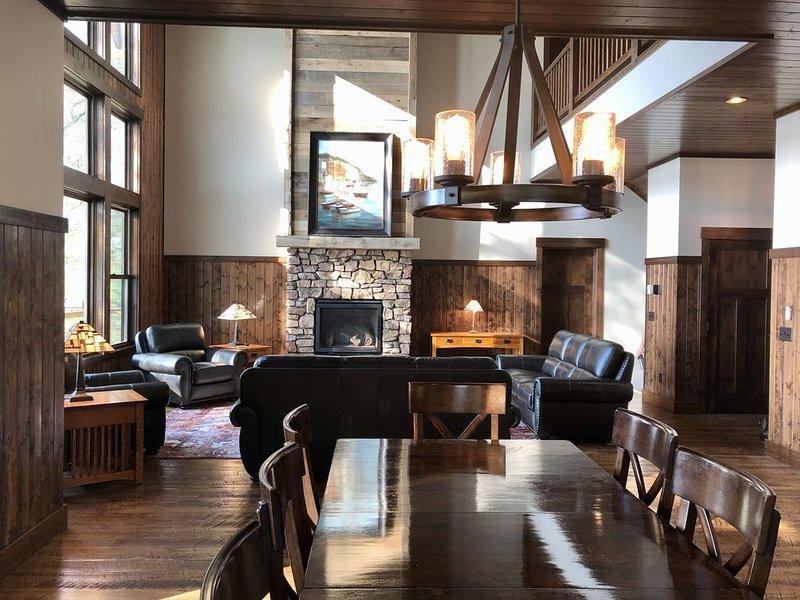 Brand new cabin w/ great location!  113 ft Perfect Sand On Cross Lake., aluguéis de temporada em Crosslake