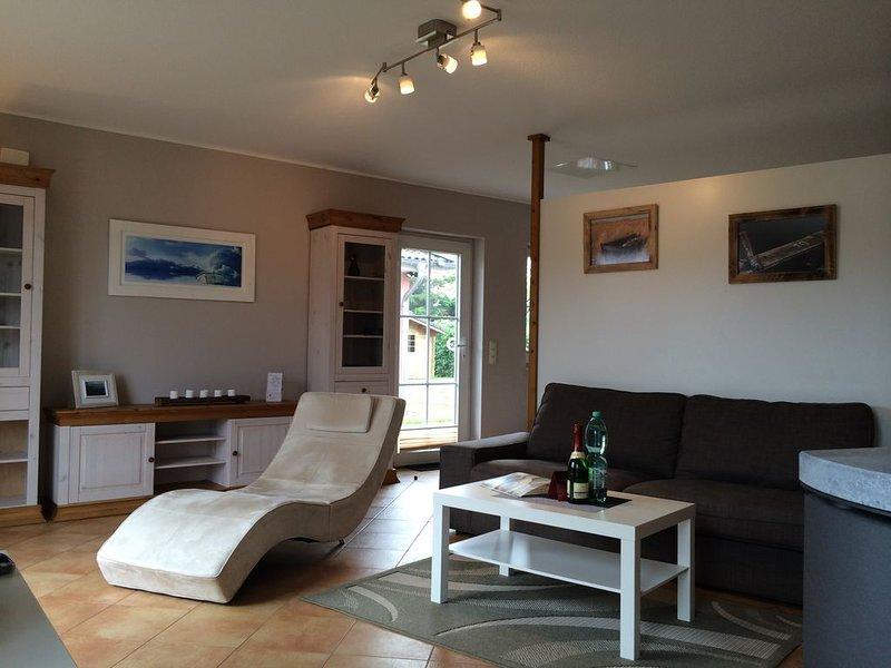 Komfortable Feriendoppelhaushälfte mit Sauna & Kamin für 2 Personen, casa vacanza a Bresewitz