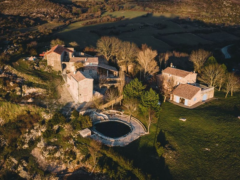 Le Gite : Le Sureau 106 m2, vacation rental in Navas