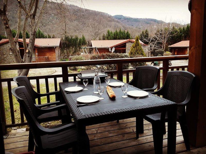 Chalets Vacances 'Le Hameau du Comté de Foix', holiday rental in Ganac