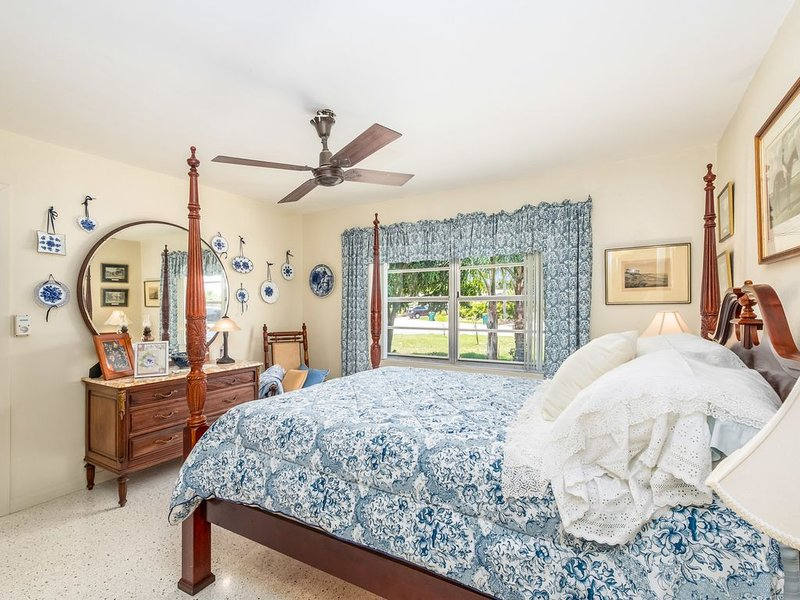 space coast central Florida safe private family getaway beach pool golf boating, vacation rental in West Melbourne