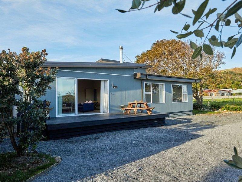 Simon's Place - Kaikoura Holiday Home, vacation rental in Kaikoura