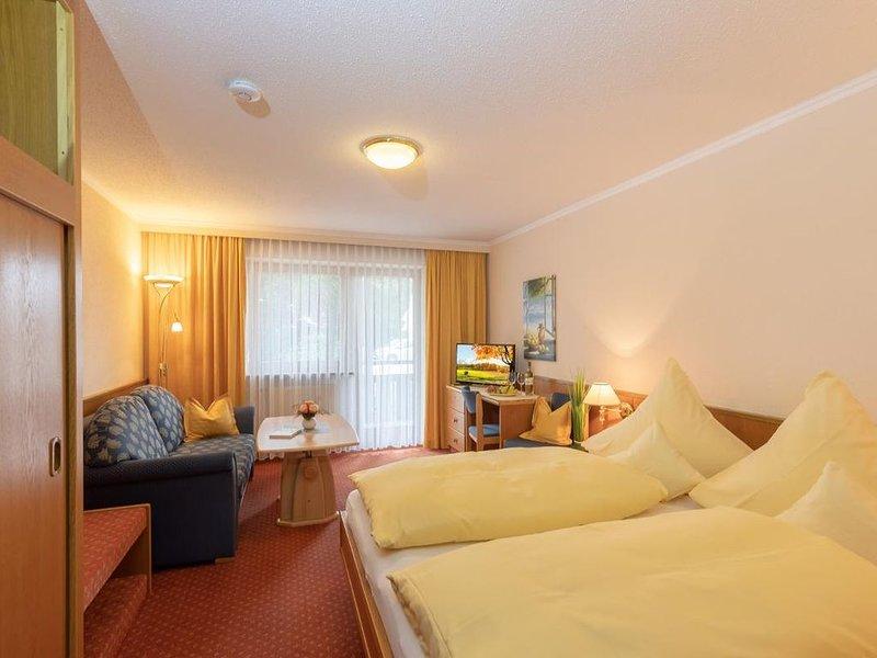 Appartement Typ D | gemütliches Appartement mit Balkon/Terrasse, holiday rental in Bad Fussing