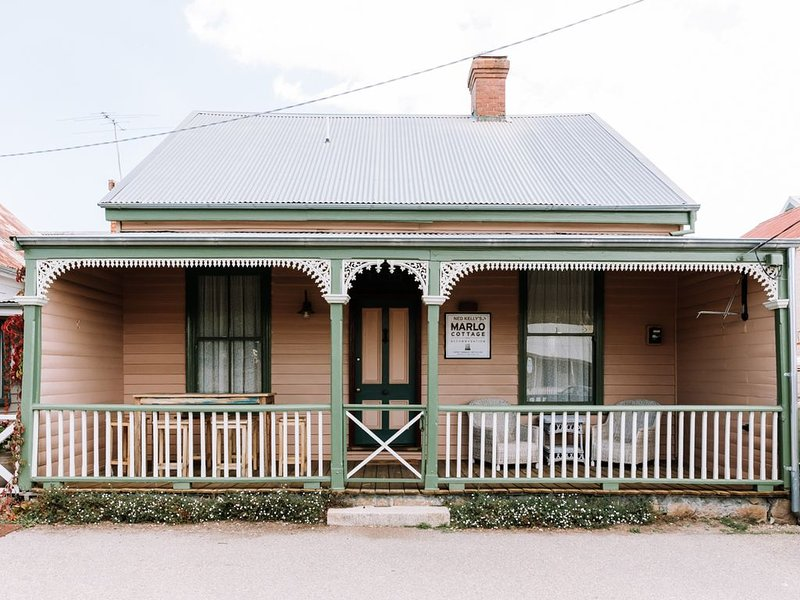 Ned Kelly's Marlo Cottage - best location in town, casa vacanza a Chiltern
