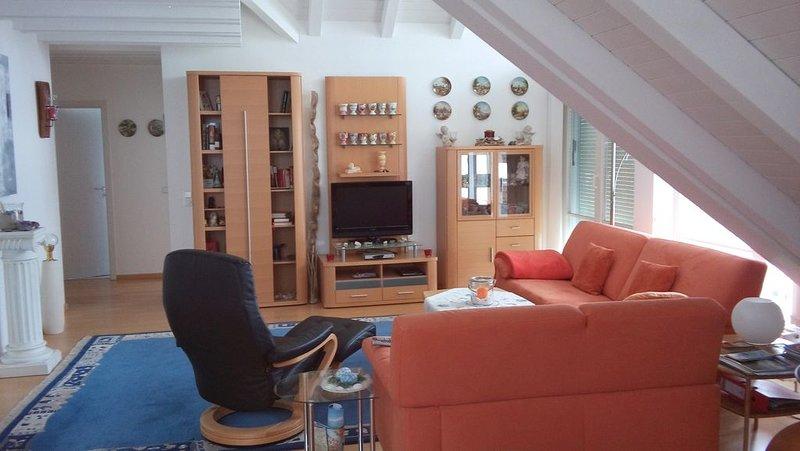 Sonnige Ferienwohnung im DG  in Uhldingen Mühlhofen, Ortsteil Unteruhldingen, casa vacanza a Salem
