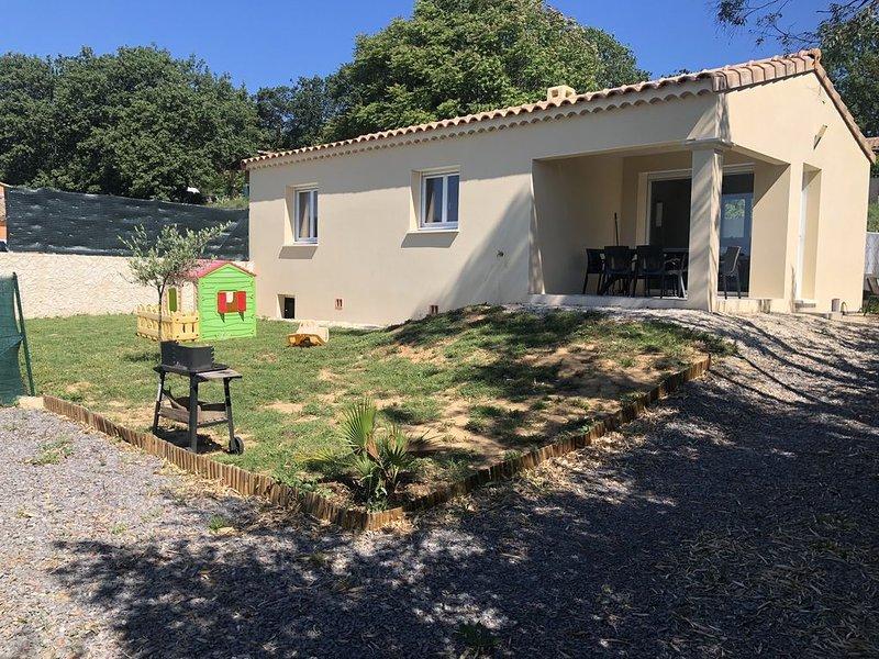 Gite meublé tout confort Saint Martin d'Ardèche, vacation rental in St Just d'Ardeche