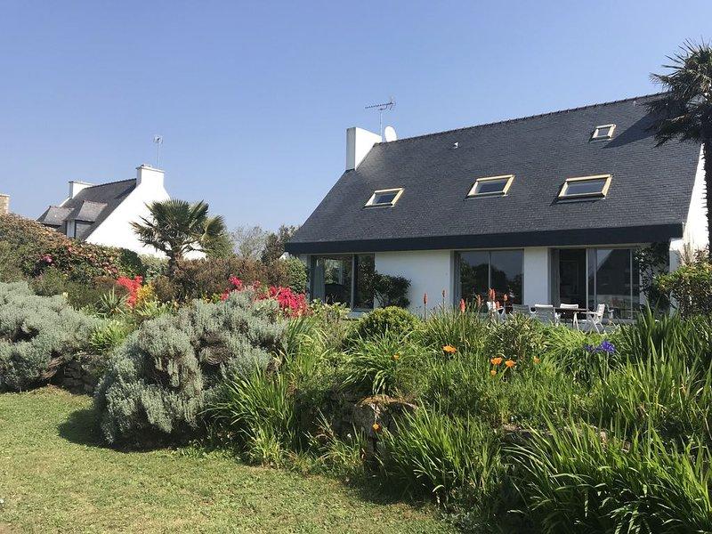 Maison 200m2 contemporaine à 100m de plage, holiday rental in Tregunc