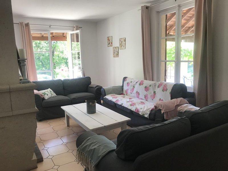 cottage en pleine nature, aluguéis de temporada em Dourdan