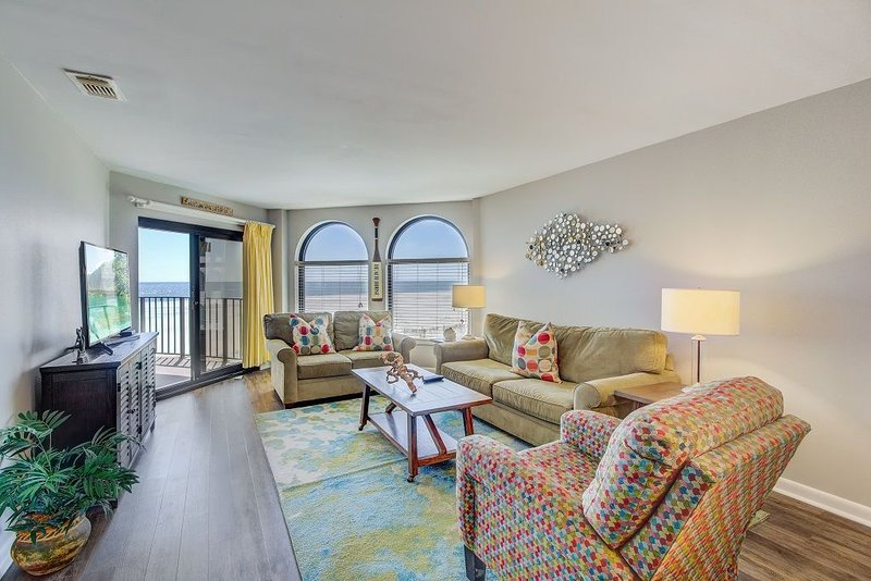 Seascape 213/2BR Oceanfront Condo w/ Wild Dunes Amenities!, vacation rental in Isle of Palms
