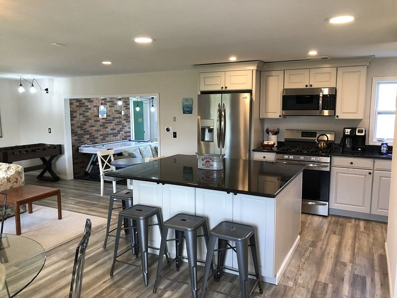 Perfect Pet Friendly Family Retreat with Game Room, holiday rental in Lower Township