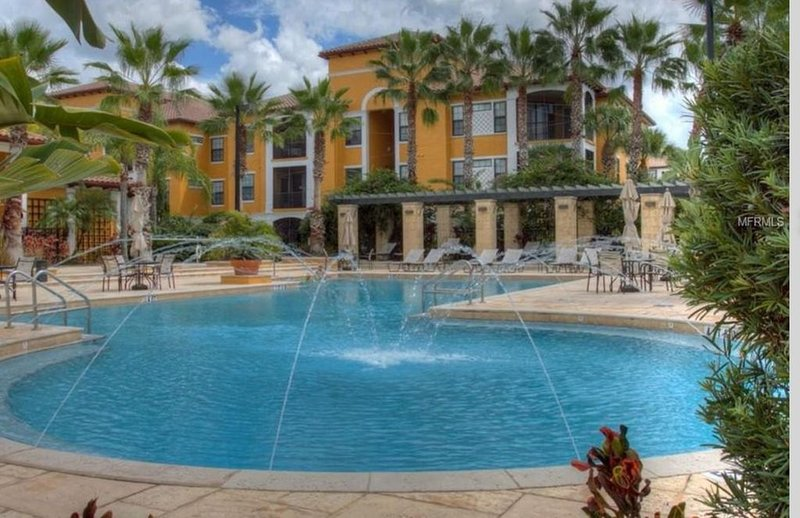 First floor Serenata Luxury Condo In Sarasota, holiday rental in Tallevast