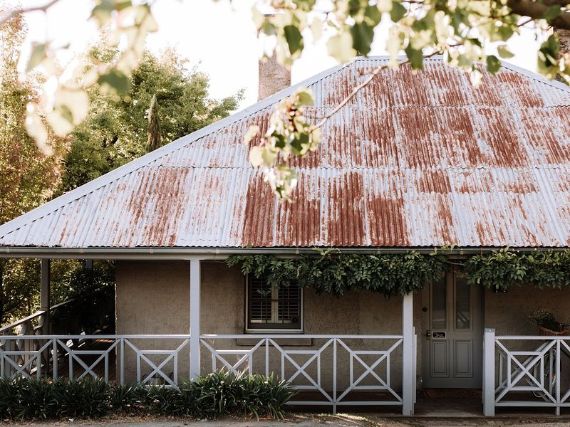 French Cottage Beechworth, holiday rental in Stanley