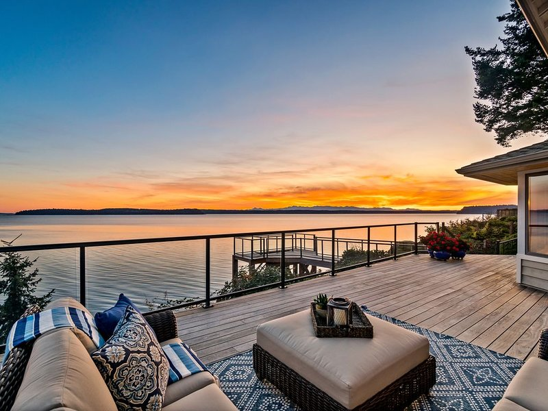 Spectacular Beach Front House, location de vacances à Lakewood  Snohomish County