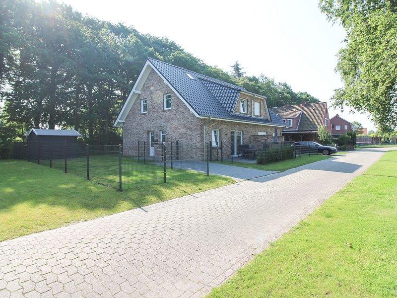 Familiengerechtes 'Ferienhaus Findus' für 8 Personen + Baby + Hund Nähe Nordsee, vacation rental in Lutetsburg