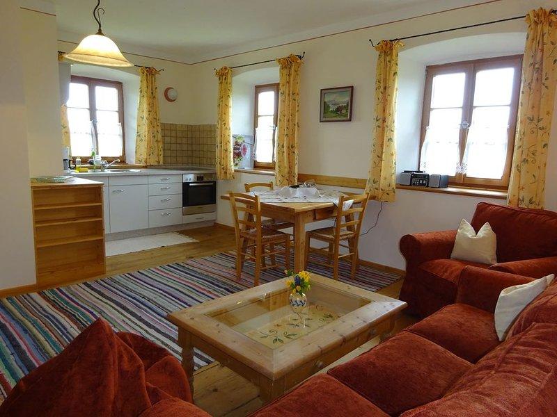 Ferienwohnung Franzl für 2-4 Personen im OG, 52 qm, 1 Schlafraum, 1 Wohnküche, – semesterbostad i Prien am Chiemsee