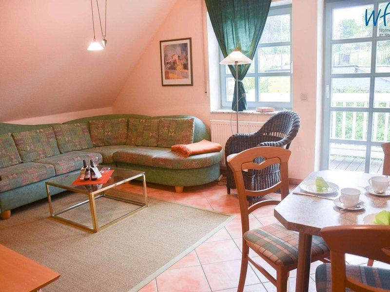 Familienfreundliche Ferienwohnung mit sonnigem Balkon und Sauna!, holiday rental in Lobbe