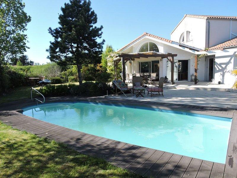 Villa proche des Sables à louer pour une semaine d'été ou plus, holiday rental in Chateau-d'Olonne