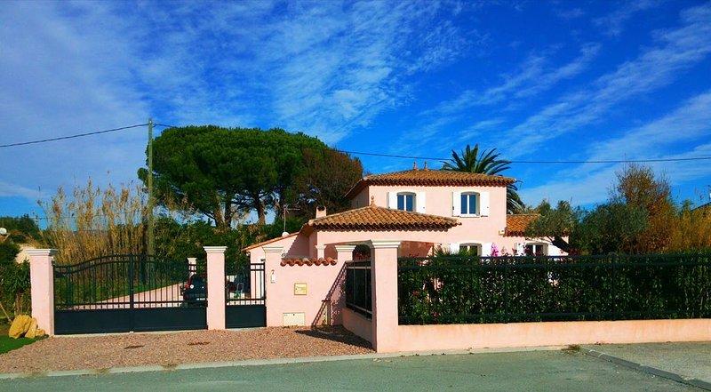 Jolie villa récente 130 m2, vacation rental in Puget-sur-Argens