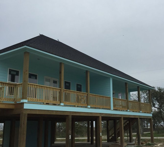 SPECIAL SPRING AND SUMMER RATES! Luxury Camps Waterviews!, alquiler de vacaciones en Lake Charles